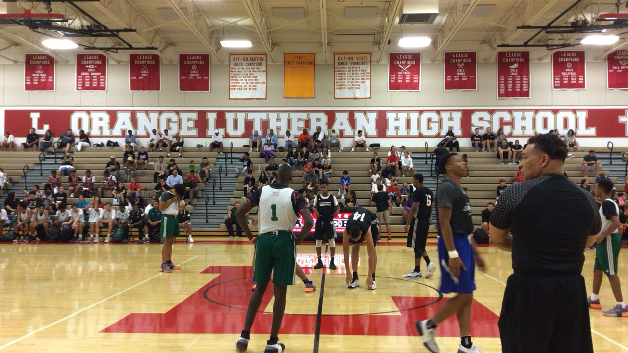 Cen10 steps up for 57-56 win over Long Beach Poly