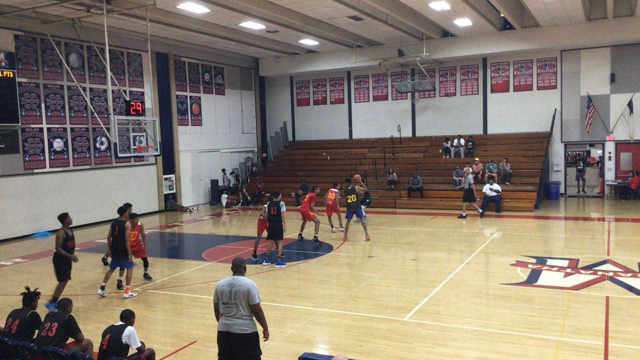 Fairfax steps up for 62-44 win over Dominguez