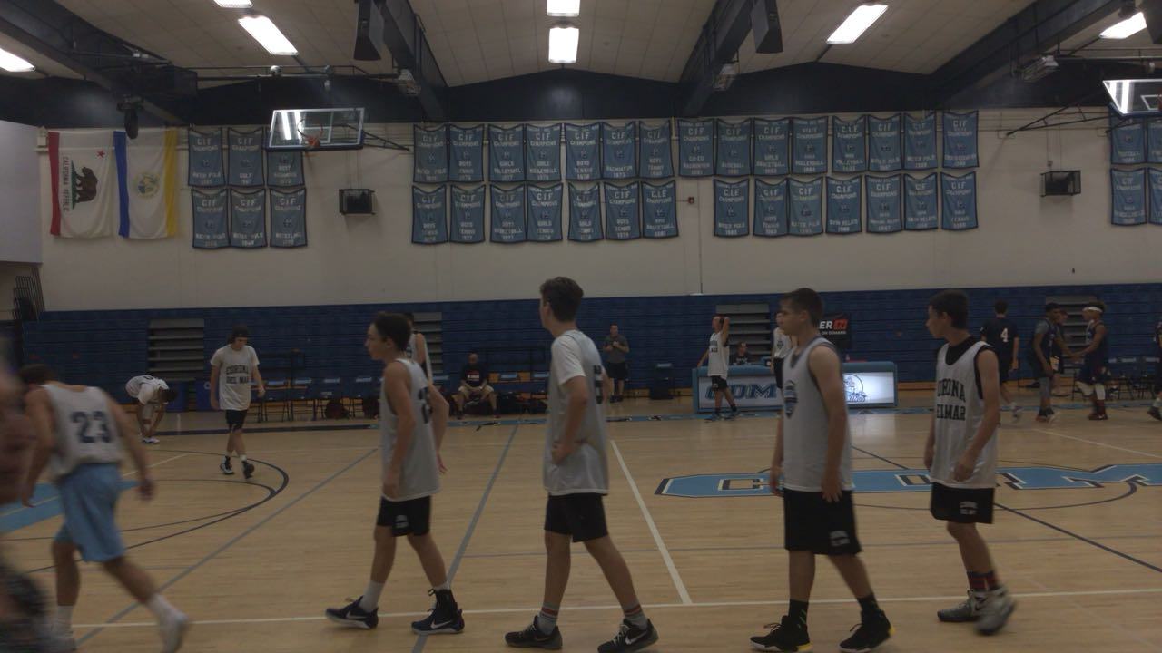 Corona Del Mar getting it done in win over King, 63-55