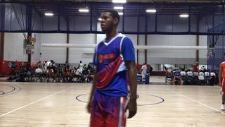 HoopDreamz Blue (PA) getting it done in win over MD 3D White, 81-72