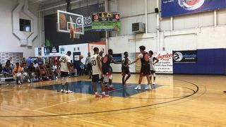 Achieve More Sports/Team Soulz (DE) getting it done in win over Role Model Elite (DE), 63-59