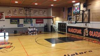 Gresham 3 defeats Lake Oswego, 54-53