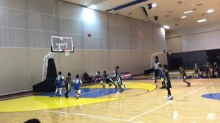 Royal Hoops with a win over Hou Nets 9u, 20-19