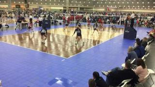 AVC CLE Rox 18N Meredith (OV) (4) defeats Metro 18 Travel (CH) (2), 2-0