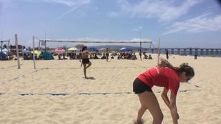 Jaclyn Matias / Ella Connor triumphant over Delaney Thau / Julia Shepherd, 0-0