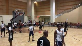 The Woodz Elite with a win over NY Renaissance, 60-43
