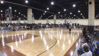 Philadelphia Belles (Breanna Stewart) gets the victory over Chicago Hoops Express (Silver BSTTL), 78-55