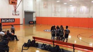 NJ Sparks gets the victory over Stated Island Bulldogs, 62-61
